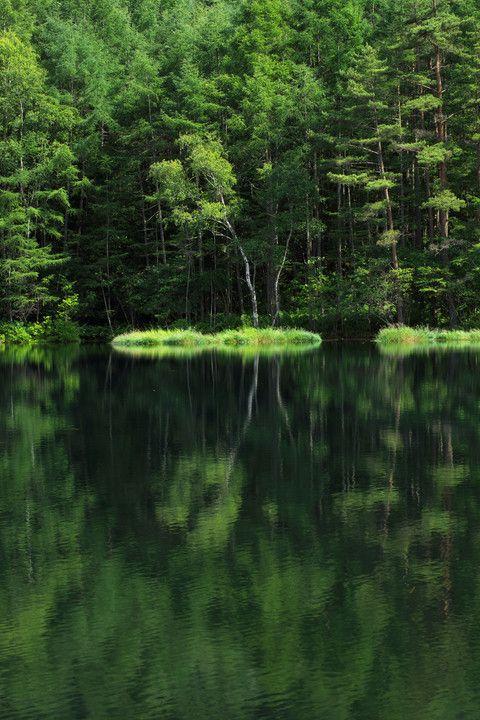 Lake Mishaka, Nagano, Japan 御射鹿池