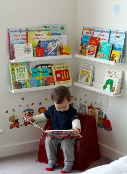LEITURA É a base da educação formal, mas também fonte de inspiração para a imaginação e o lúdico. Toda criança deveriaser incentivada à leitura, pra isso um local específico com livros pra idade deles, claro, é uma parte importante do quarto.
