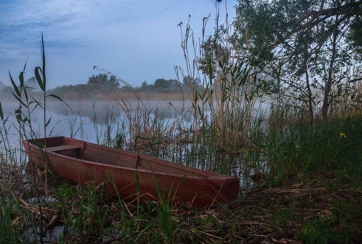 small red boat marina by Alexandr Bredikhin on 500px