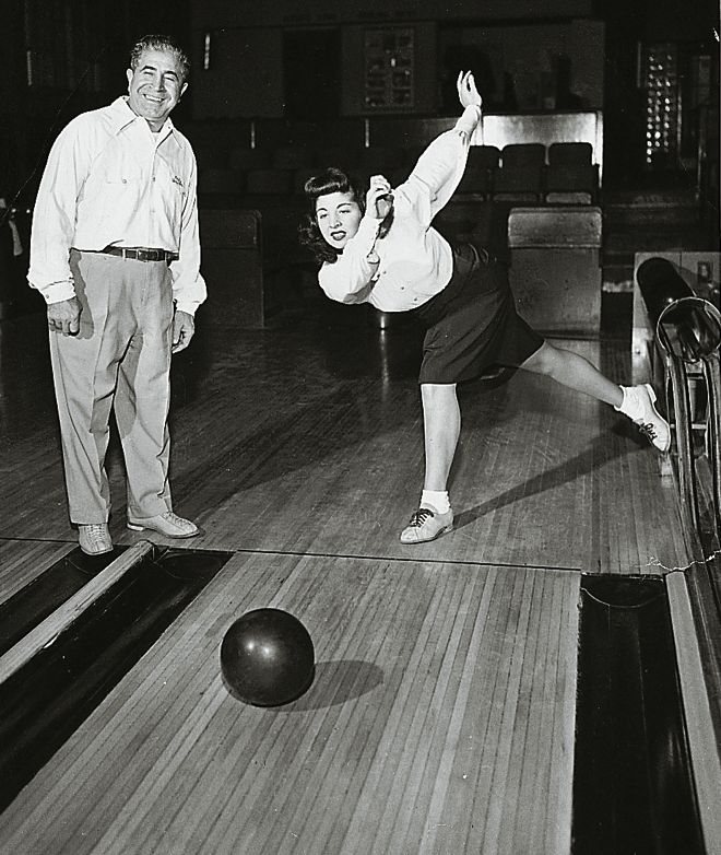 how to get a strike in bowling every time