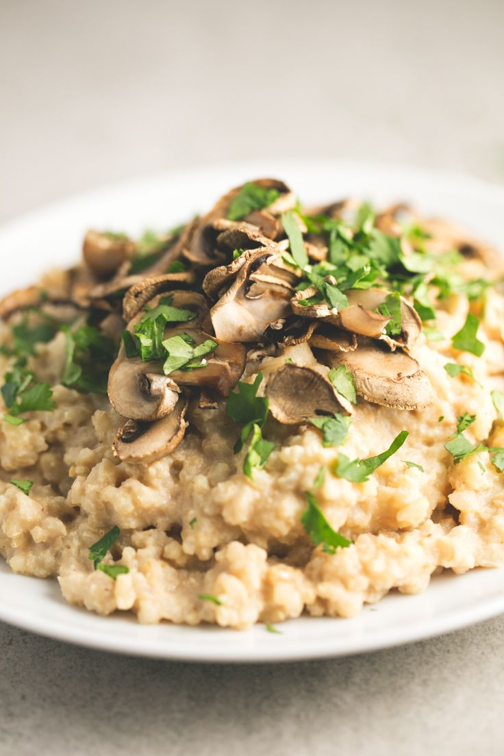 This fat-free vegan risotto is perfect for any special occasion, although you can make it anytime because is an easy and delicious recipe.