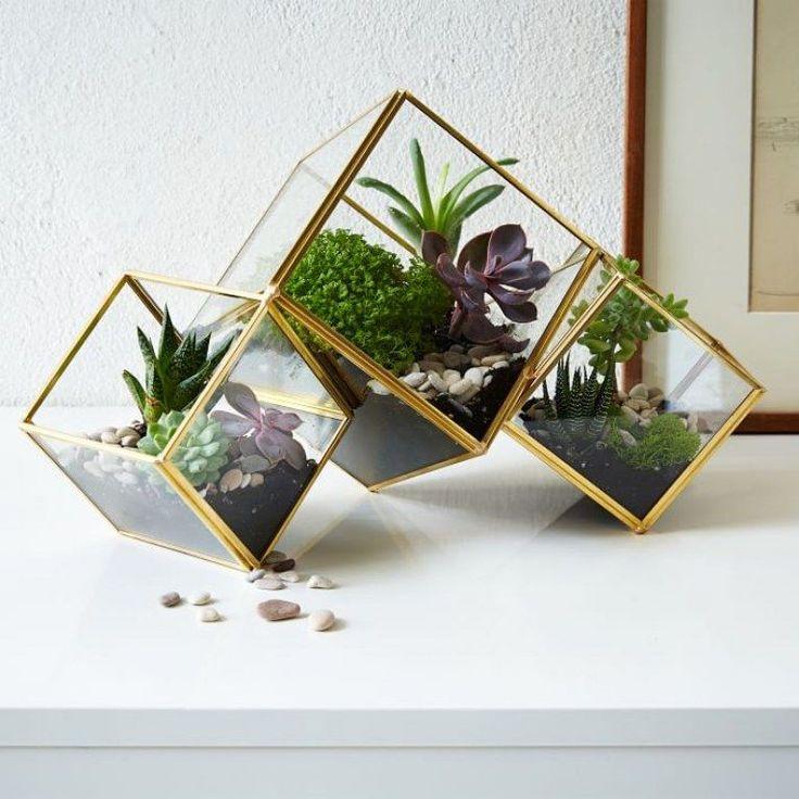C'est devenu le must have déco du moment. Jars, lanternes, vases, théières, verres… faites marcher votre imagination et votre créativité ! Vous vivez dans un appartement...