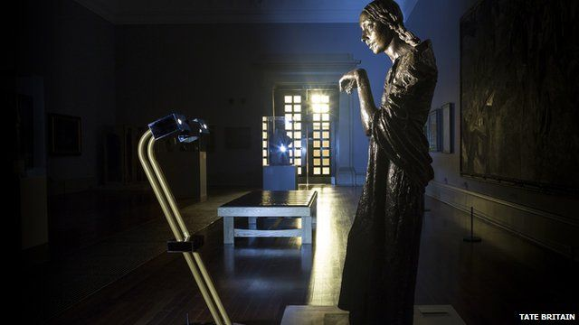Robots explore Tate Britain's artwork after dark