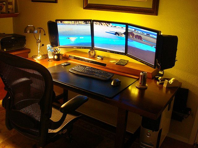 triple monitor array laptop source flickr photo sharing trading desk pinterest. Black Bedroom Furniture Sets. Home Design Ideas