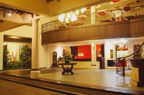 Lobby at White Rose