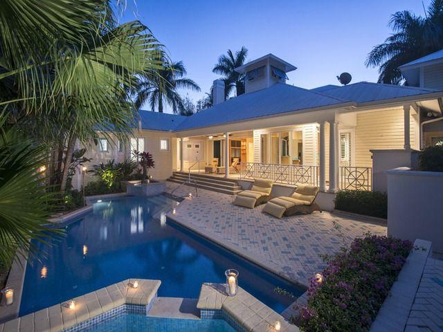Old Florida Style Cracker House Pretty Pool Beach
