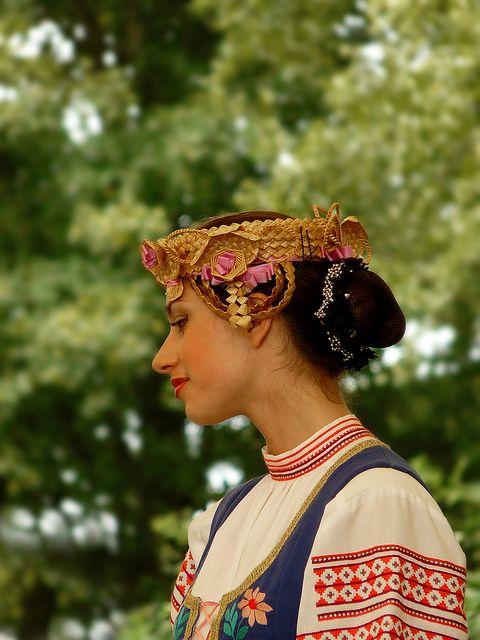 Woman's traditional headgear from Belarus
