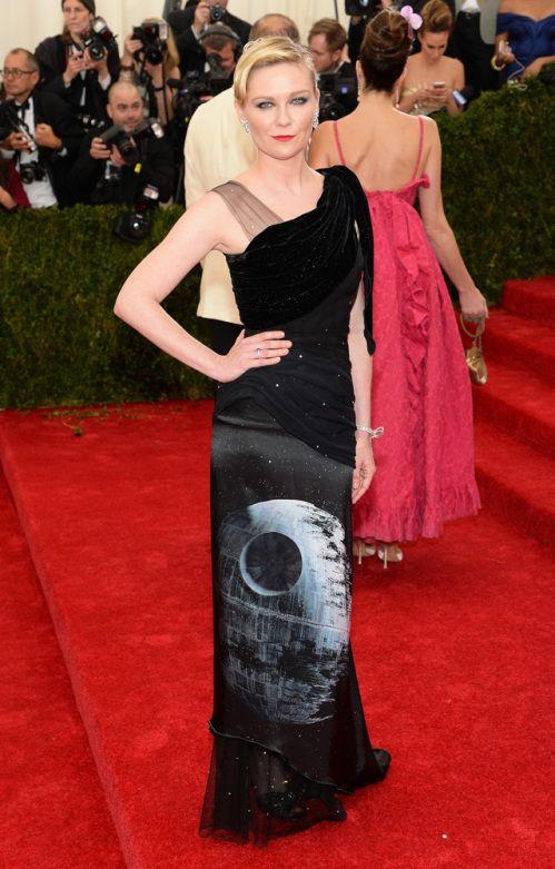 Kirsten Dunst Wears cool Rodarte Star Wars Dress to Met Gala. #metgala #intergalactic #fashion