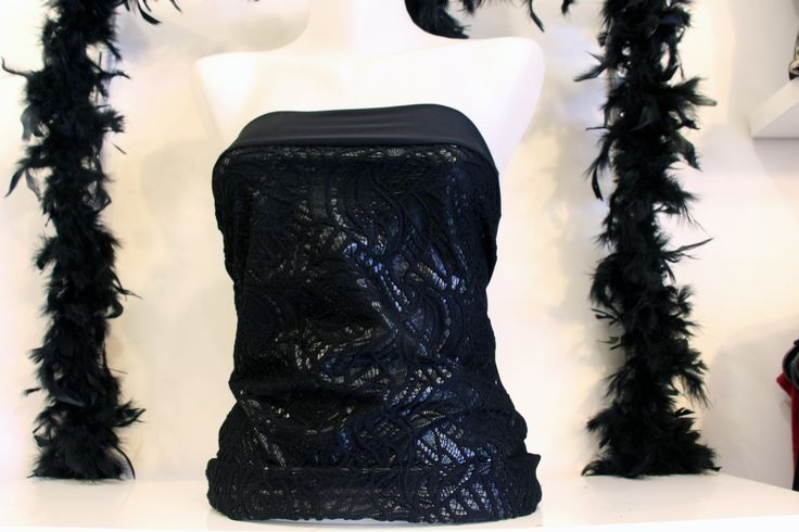 Esnek Sandy Kumaş Deri Detaylı Siyah Sırtı Açık Straplez Bayan Bluz Üst Giyim Modelleri Clubwear Kıyafet Kadın Modası
