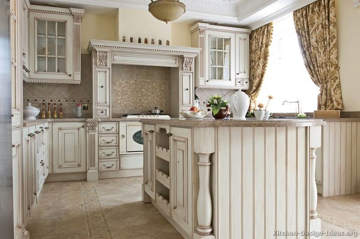 Traditional Antique White Kitchen Cabinets Welcome! This Photo Gallery Has  Pictures Of Kitchens Featuring Cream Or Antique White Kitchen Cabinets In  ...