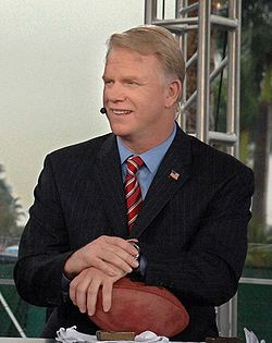 Boomer Esiason one of many crappy sports analysts.
