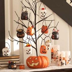 halloween decorations ideas inspirations halloween trick or treat pumpkin tree decoration - Halloween Tree Ornaments