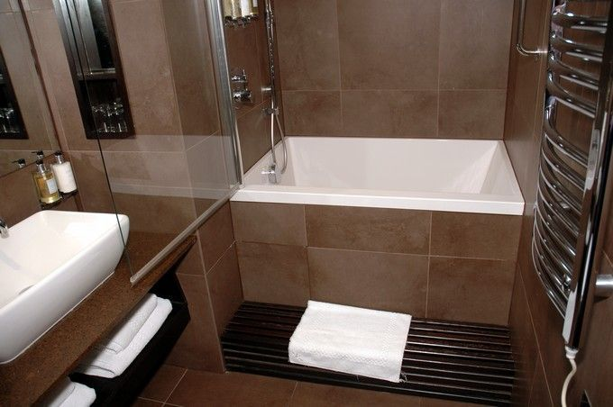 Shower with a deep soaker tub
