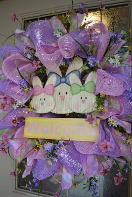 Another cute mesh wreath tutorial for springWreaths Tutorials, Crafts Ideas, Kristen Creations, Bunnies Easter, Front Doors, Crafts Decor, Easter Wreaths, Mesh Wreaths, Easter Mesh