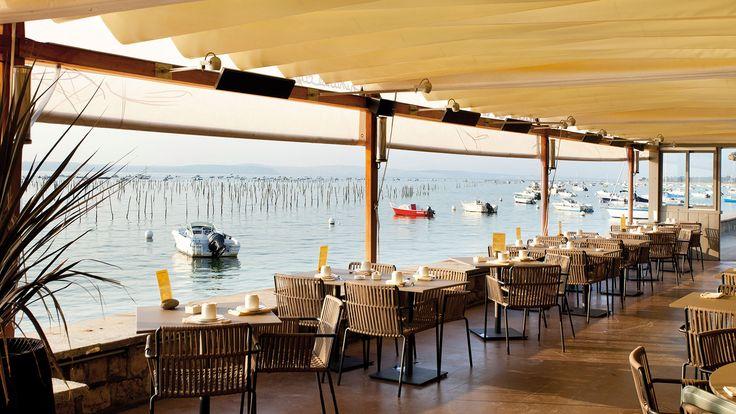 Kettal projects pinasse caf au bord du bassin d arcachon le pinasse caf est un v ritable - Restaurant au cap ferret ...