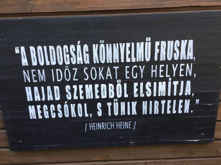 Heinrich Heine idézet a boldogságról. A kép forrása: Erdélyi Zita