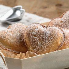 Vanilla Hearts: Sweet vanilla hearts filled w decadent pastry cream