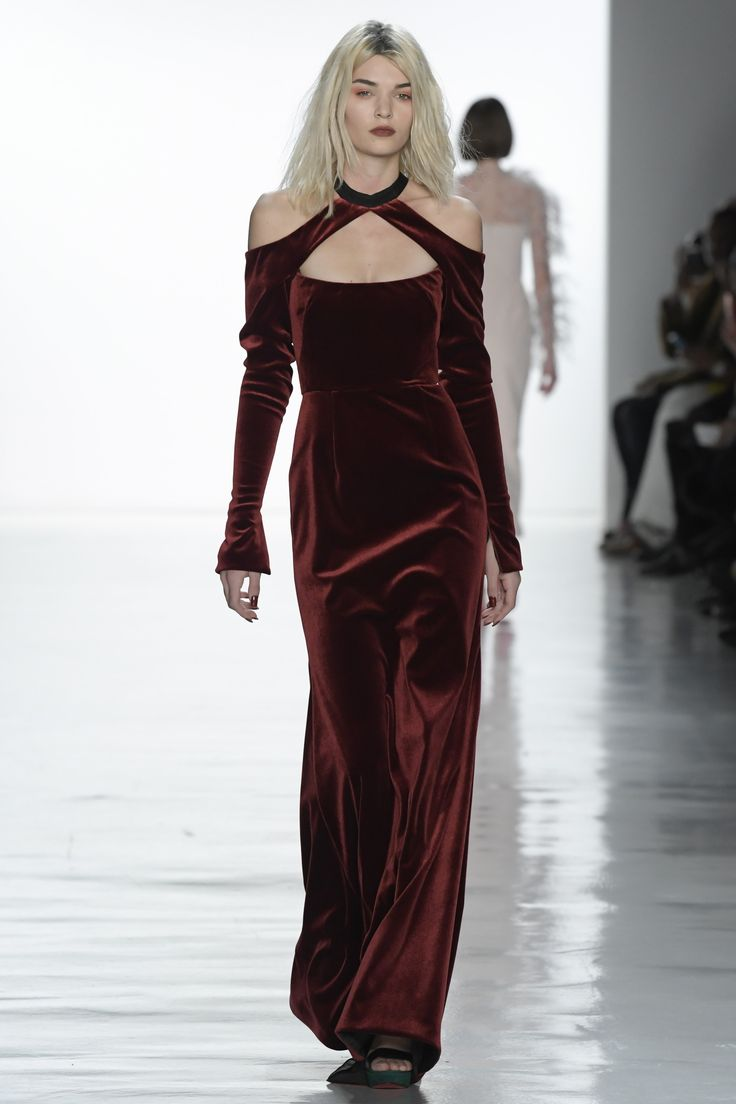 See the complete Bibhu Mohapatra Fall 2017 Ready-to-Wear collection.