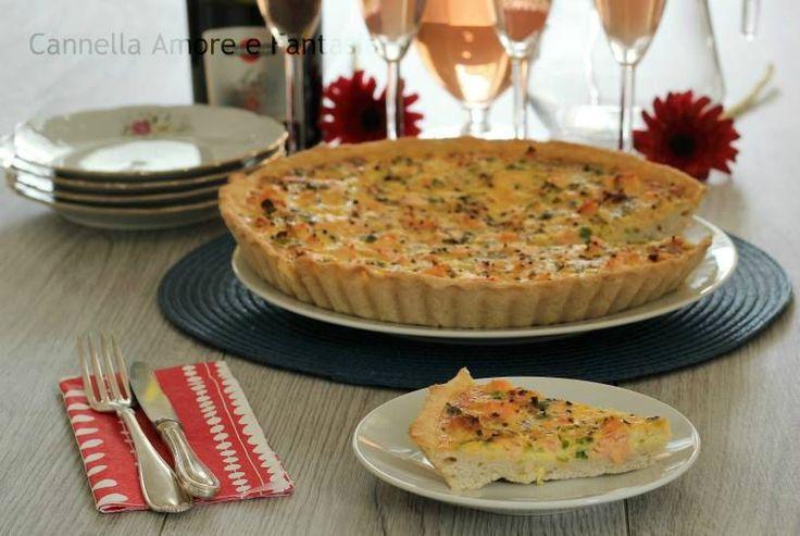 La torta salata al salmone è una ricetta semplice,gustosa,ricca e soprattutto senza lievito,croccante fuori e morbida dentro conquisterà anche i palati più esigenti