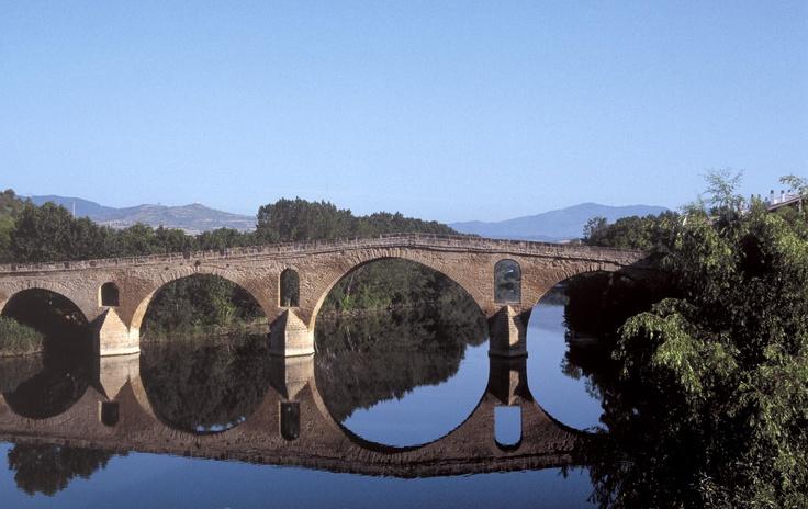 Puente la Reina  More information Tourism Navarra Spain: ☛   ➦ Más Información del #TurismoNavarra  y España: ☛  #NaturalezaViva  #TurismoRural ➦   ➦ www.nacederourederra.tk  ☛  ➦ http://mundoturismorural.blogspot.com.es  ☛  ➦ www.casaruralnavarra-urbasaurederra.com ☛  ➦ http://navarraturismoynaturaleza.blogspot.com.es ☛  ➦ www.parquenaturalurbasa.com ☛   ➦ http://nacedero-rio-urederra.blogspot.com.es/