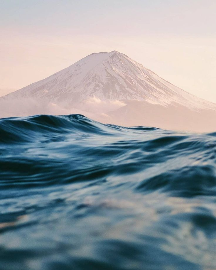 Awesome shot of Mount Fuji by Benjamin Lee itchba…