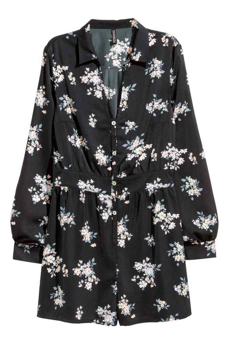 V-neck jumpsuit   H&M