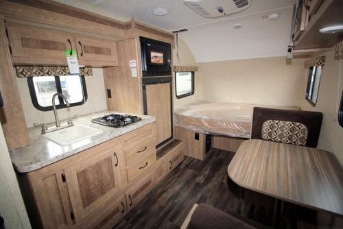 Satellite hook up travel trailers
