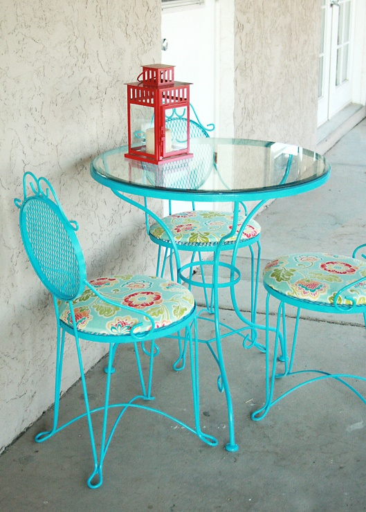 Bistro Table makeover for my patio off from my cave