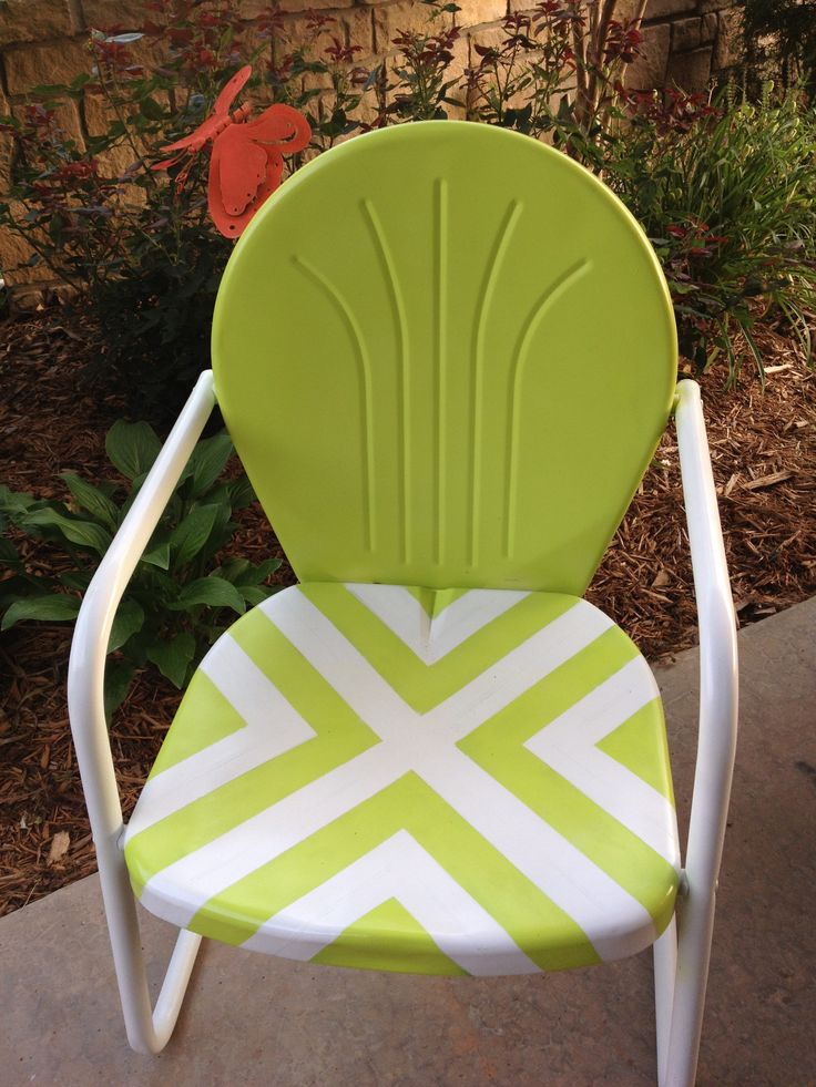 Painted outdoor metal lawn chairs