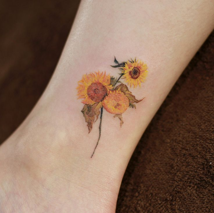 "17.9 mil Me gusta, 162 comentarios – Tattooist_Doy (@tattooist_doy) en Instagram: "": Gogh's Sun Flower ."