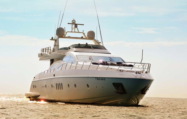 yachts   Luxury Accommodations