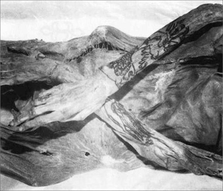 Dünyanın En Eski Halısı Pazırık Halısı'nın Dövmeli Sahipleri İnceleniyor | Arkeofili