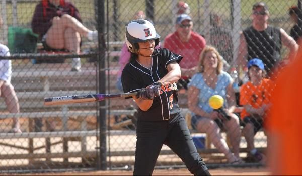 Softball defeats Lawrence; loses by one to Allegheny - Kalamazoo College