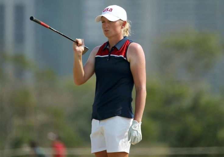 Stacy Lewis ties course record, one shot off lead:  August 18, 2016  -     2016 Rio Olympics - Golf - Women's Individual Stroke Play - Olympic Golf Course - Rio de Janeiro, Brazil - 18/08/2016. Stacy Lewis (USA) of the United States looks over the 18th green during second round women's Olympic golf competition.