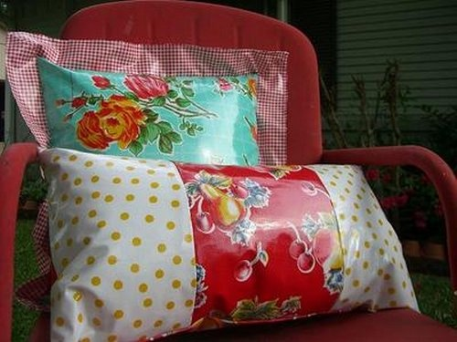 oilcloth pillows on this page many oilcloth tutorials oil cloth ideas pinterest. Black Bedroom Furniture Sets. Home Design Ideas
