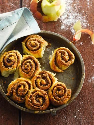 Kaneelbroodjes met appel en pecannoten