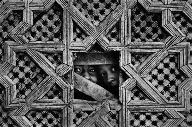 Marc Riboud: Fez, Morocco, 1971.