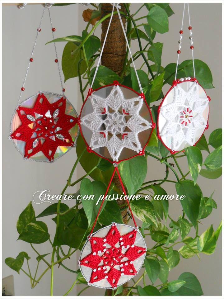 Mandala uncinetto, riciclo vecchi cd by https://www.facebook.com/creareconpassioneeamore/   #creareconpassioneeamore #crochet #uncinetto #fattoamano #crocheting #stella #star #cd #natale #mandala #riciclo #handmade #handmadewithlove #handmadeinitaly