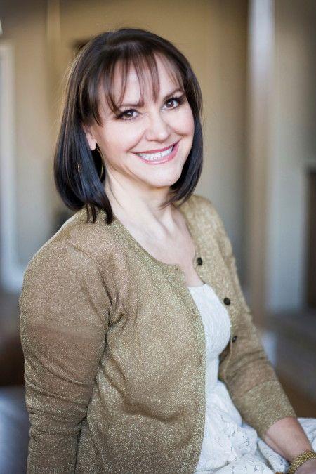Entrevista com a autora Rachel Gibson ,de Loucamente Sua - Rachel Gibson e Simplesmente  Irresistível lançados pela Geração Editorial  http://www.apaixonadasporlivros.com.br/rachel-gibson-entrevista/