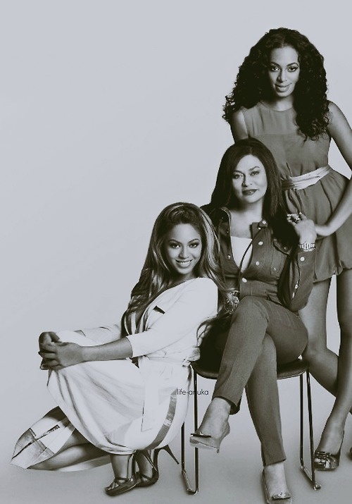 #Beyonce, her mother Tina and sister #Solange. #Queenbey #Family #Knowles