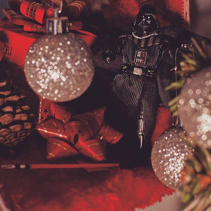 Che il Natale sia con voi!  #starwars #natale #merrychristmas #christmas #darthvader #love #picoftheday #tagsforlikes #tbt