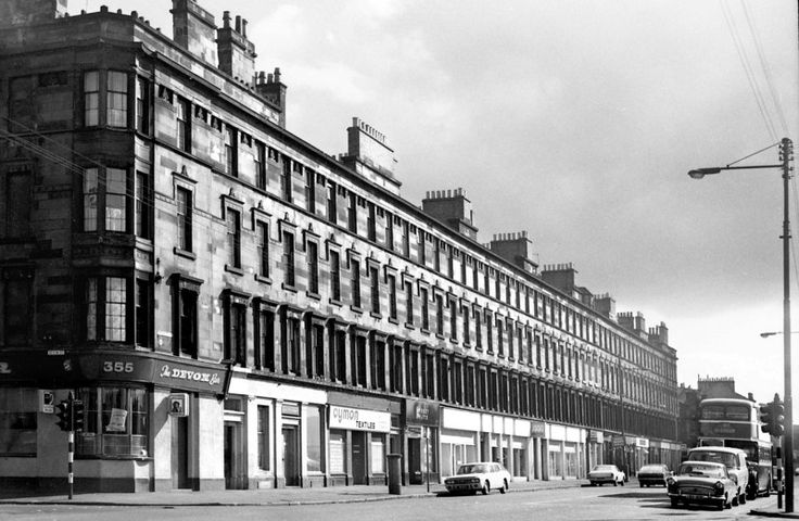 Eglinton St, east side, south of Devon St. The majestic Queen's Park Terrace, Thomson's finest tenement block, built 1856-60. One of the most notable in a city of tenements, it was A-listed, but was allowed to fall into dilapidation, was condemned, and in the face of much protest the council went ahead with its demolition in 1981. August 1973.