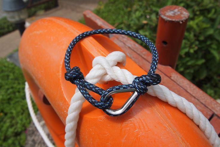 Браслет выполнен из ярких парашютных/скалолазных строп\ The bracelet is made of bright parachute / climbing lines. #craftup_accessories