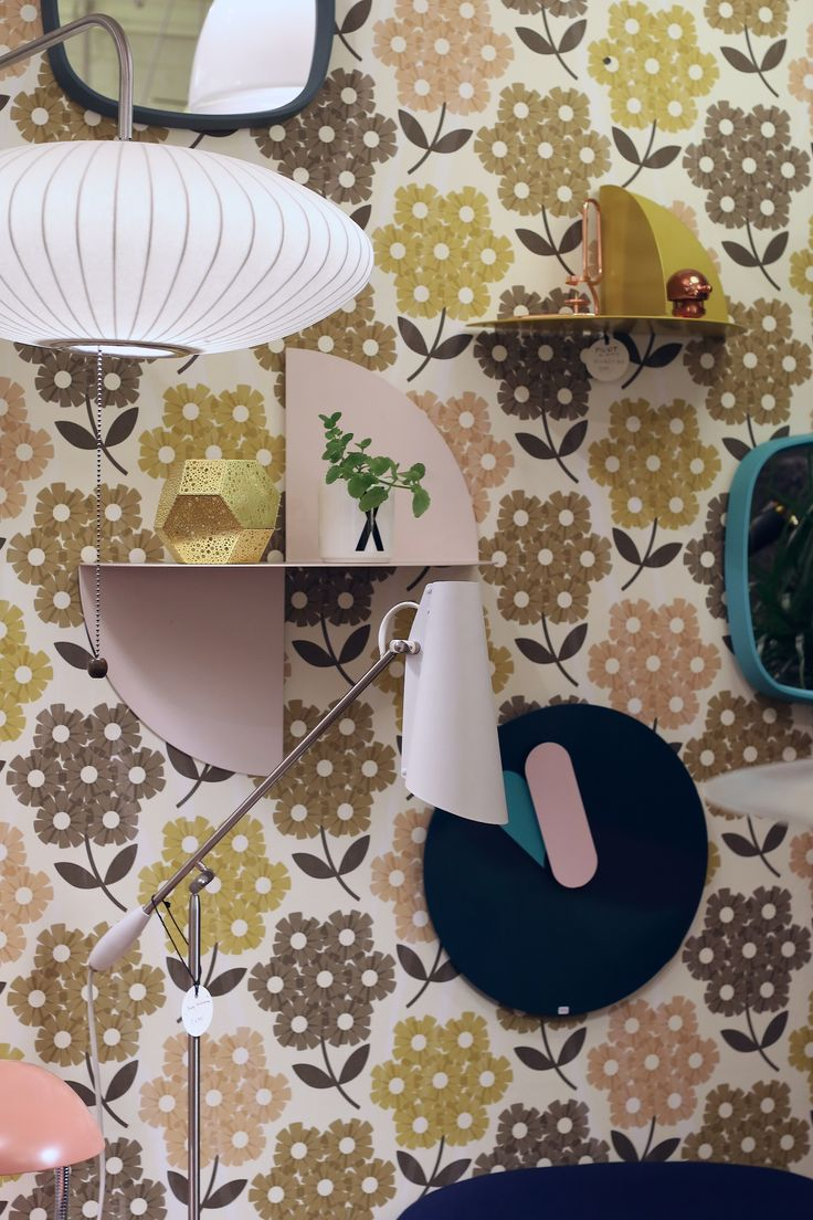 Saucer Bubble lamp, George Nelson, Birdy, Birger Dahl, Northern Lighting, Orla Kiely tapet, Pivot hylle Hay hos Futura Classics
