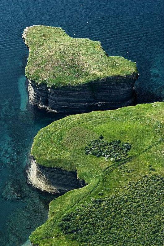The Amazing Blue Pearl Bay, Hayman Island, Australia