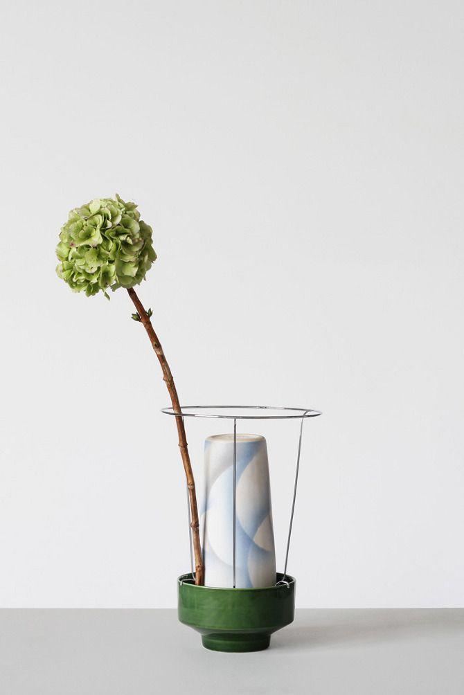 Hidden Vase by Chris Kabel on thisispaper.com