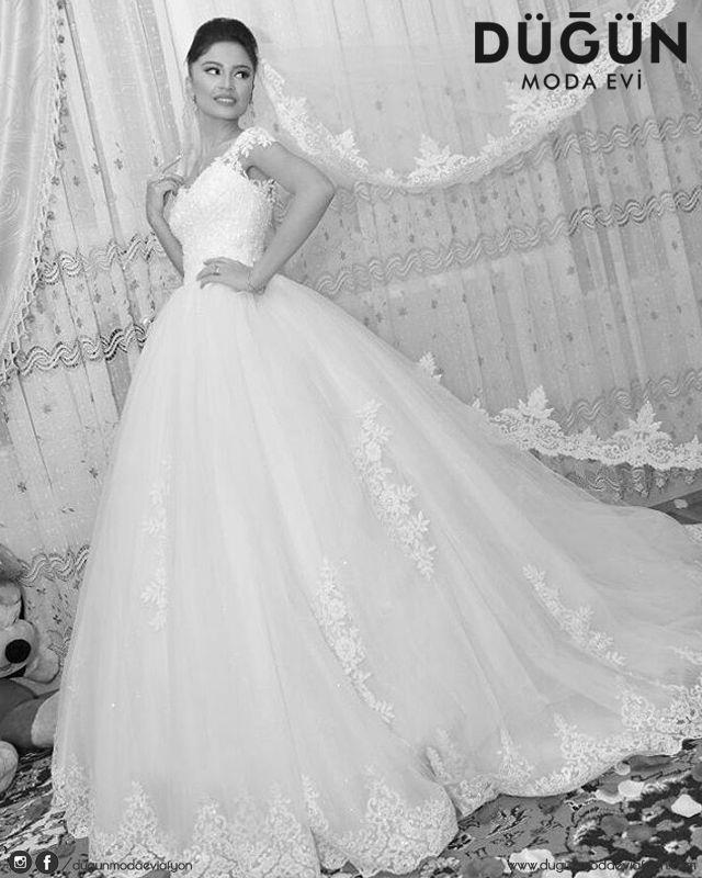 Tülün şımarıklığı ve dantelin zerafeti ile bu model hayallerinizdeki prenses olmanızı sağlayacak.   #gelinlik #afyon #afyonkarahisar #düğün #dugun #dugunmodaeviafyon #dugunmodaevi #wedding #justmarried #married #nişanlık #nişan #nisan #nisanlik #ayakkabı #aksesuar #moda #gelin #bride #brides #beyaz #white #blonde #gelinler #akü #afyonmyo #afyonkocatepe #ans #afyonkocatepeuniversitesi #uniyurt