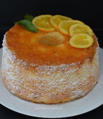 Chiffon cake all'arancia. La Chiffon cake è un dolce molto soffice e delicato. Si presta a molte varianti,quella all'arancia o al limone è la mia preferita