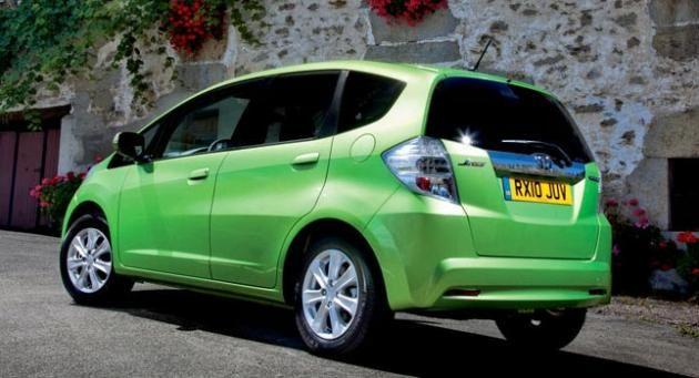 Women Prefer Men Who Drive Eco-Friendly Cars, According To Study