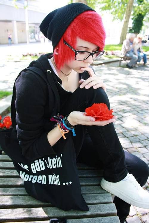 Short red scene hair/ style/ black beanie. Might get my hair this color maybe with black in it.